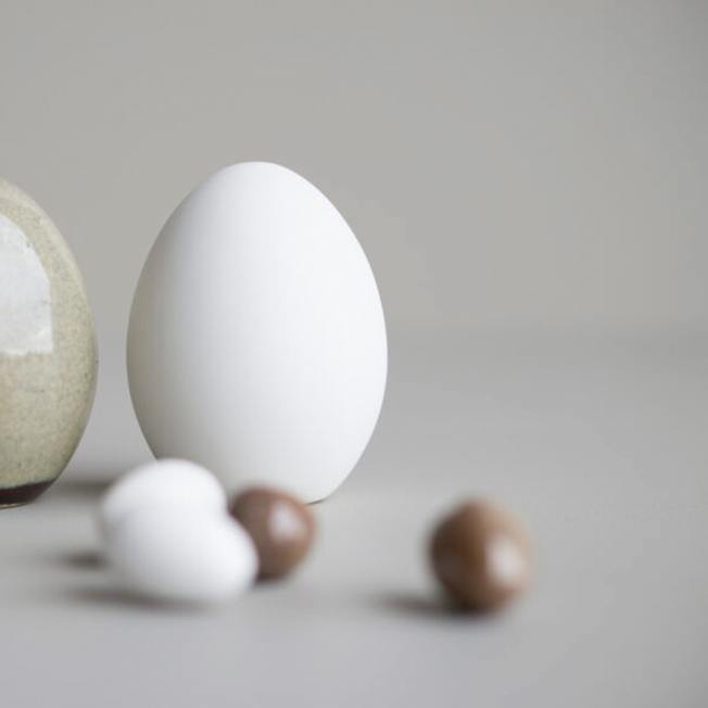 dbkd deko stehendes ei standing egg weisses wunderschoen-gemacht