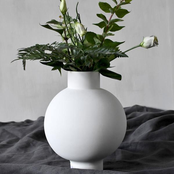 storefactory keramik vasen vik bauchig fuss weisse wunderschoen-gemacht
