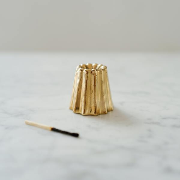 ovo things kerzenstaender kerzenleuchter canele kuchen gugelhupf brass messing golden wunderschoen-gemacht