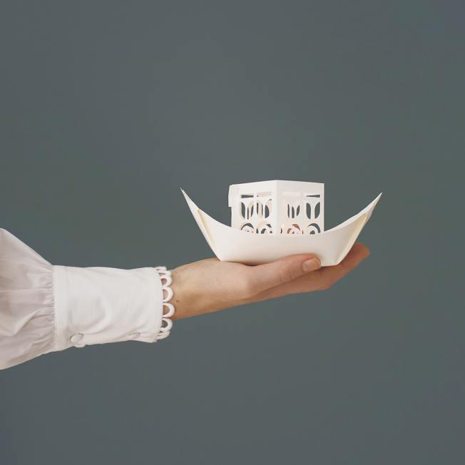 """jurianne matter papierboot papierschiff weiss rejse"""" wunderschoen-gemacht"""
