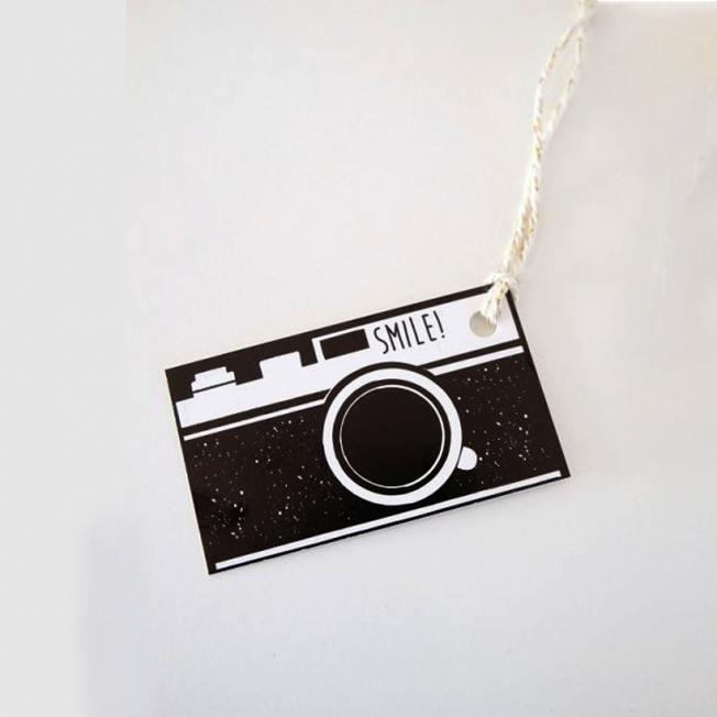jurianne matter geschenkanhaenger camera fotokamera smile wunderschoen-gemacht