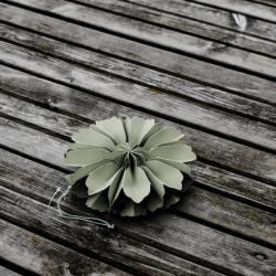 storefactory hänge papierblumen blueten blomholmen gruen wunderschoen-gemacht