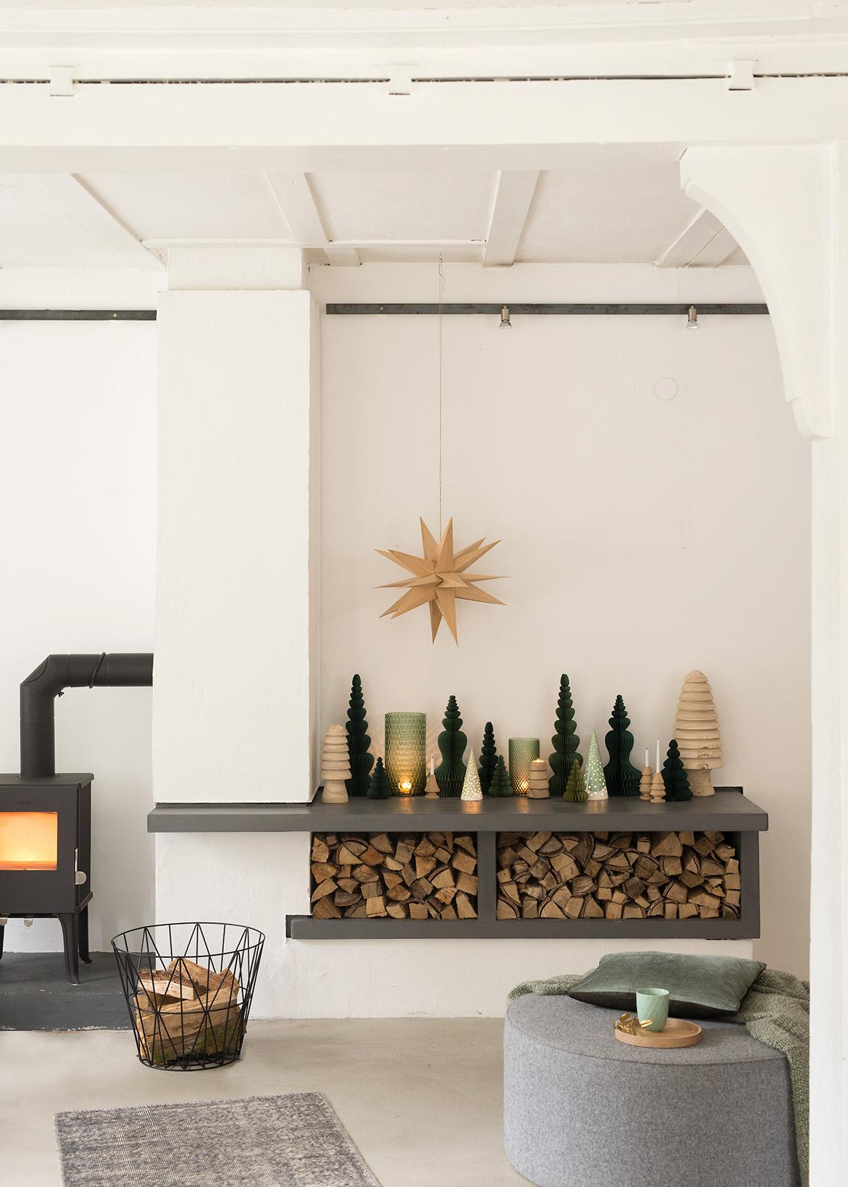 gruen-goldiger-weihnachtswald-wunderschoen-gemacht