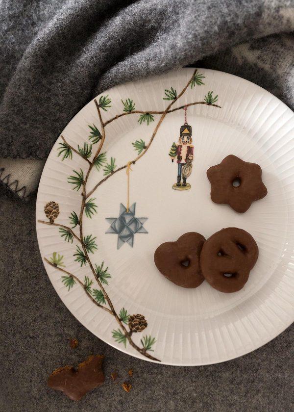 kaehler-design-hammershoi-christmas-nussknacker-teller-wunderschoen-gemacht