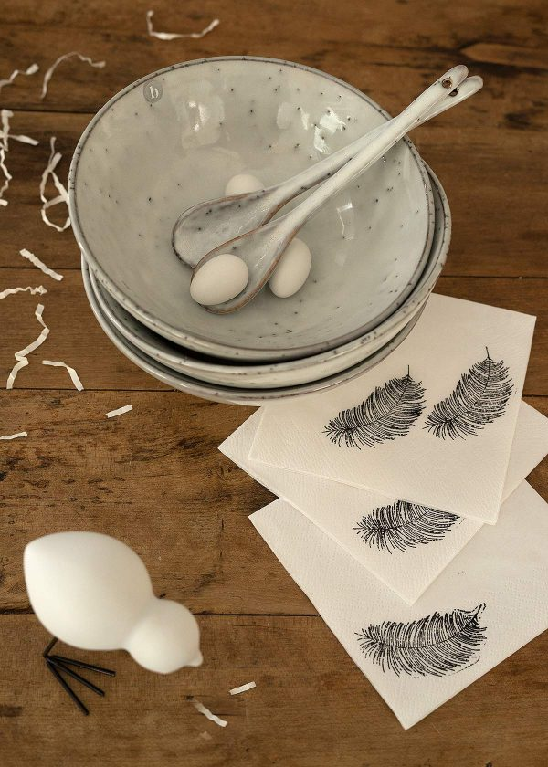 broste-copenhagen-nordic-sand-keramikschalen-perlenfischer-stempel-feder-wunderschoen-gemacht