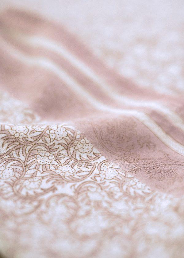 bungalow-dk-tablecloth-tischdecken-nisha-rose-muster-wunderschoen-gemacht