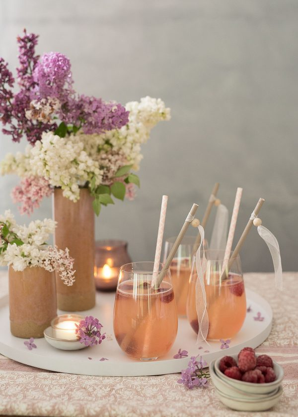 rhabarber-cocktail-broste-vasen-nordic-sand-butterschaelchen-cooee-tablett-wunderschoen-gemacht