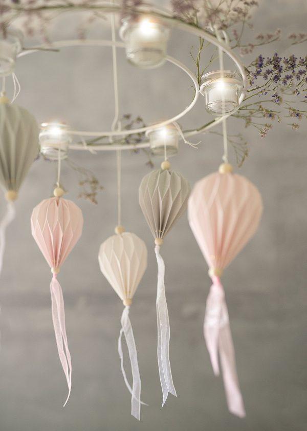 storefactory-plissees-papier-ornamente-haengekranz-virestad-wunderschoen-gemacht
