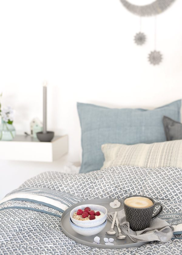 bungalow-dk-leinen-kissen-quilt-keramik-schalen-becher-wunderschoen-gemachgt