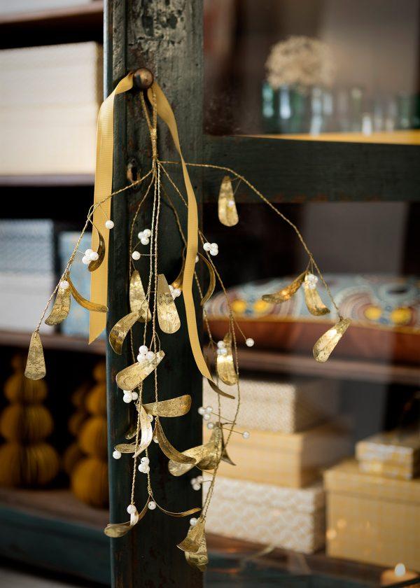 bungalow-dk-mistelzweig-gold-mit-perlen-wunderschoen-gemacht