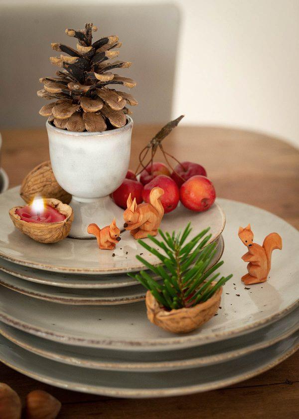 broste-copenhagen-keramik-nordic-sand-holz-eichhoernchen-wunderschoen-gemacht