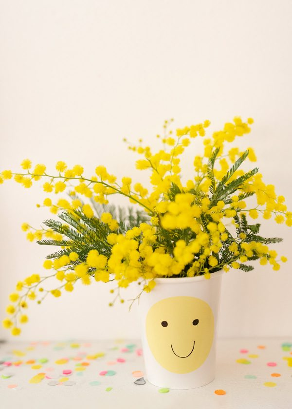 meri-meri-pa ppbecher-emojis-smileys-neon-mimosen-wunderschoen-gemacht