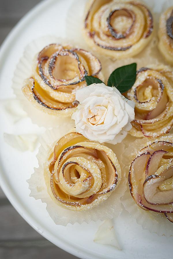 rosen-muffins-mit-pfirsich-wunderschoen-gemacht