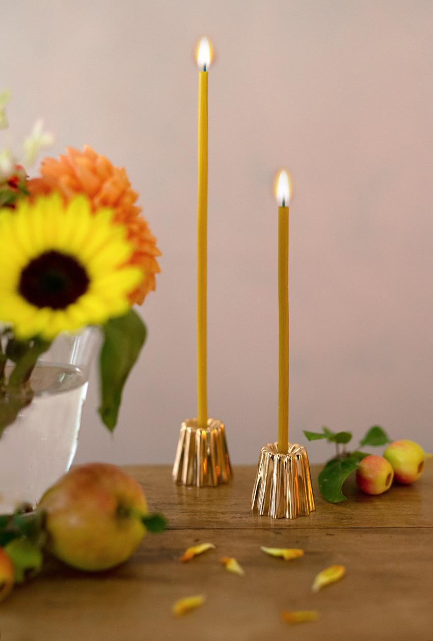ovo-things-kerzenstaender-canele-kuchen-messing-gold-wunderschoen-gemacht